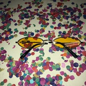 Accessories - 90s inspired Sunnies (yellow lenses)